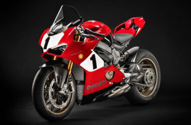 Ducati-Panigale-V4-Superbike-Wallpaper