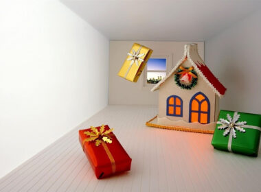 Home Decoration and Gifts on Christmas