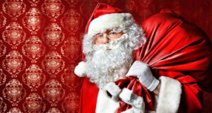 Santa-Claus-With-Gift-HD-Pic