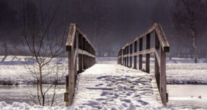 Snow-on-Bridge-Pic