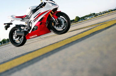 Yamaha-R6-Bike-Pic