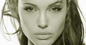 Actress-Angelina-Jolie-Pic