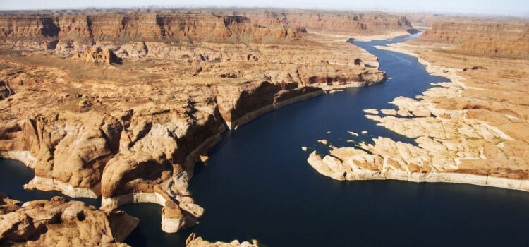 Photo-of-River-in-HD