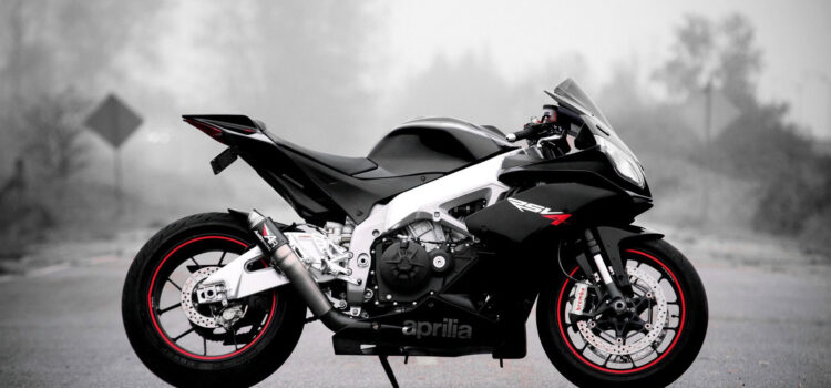 Aprilia-RSV4-Bike-Pic-HD